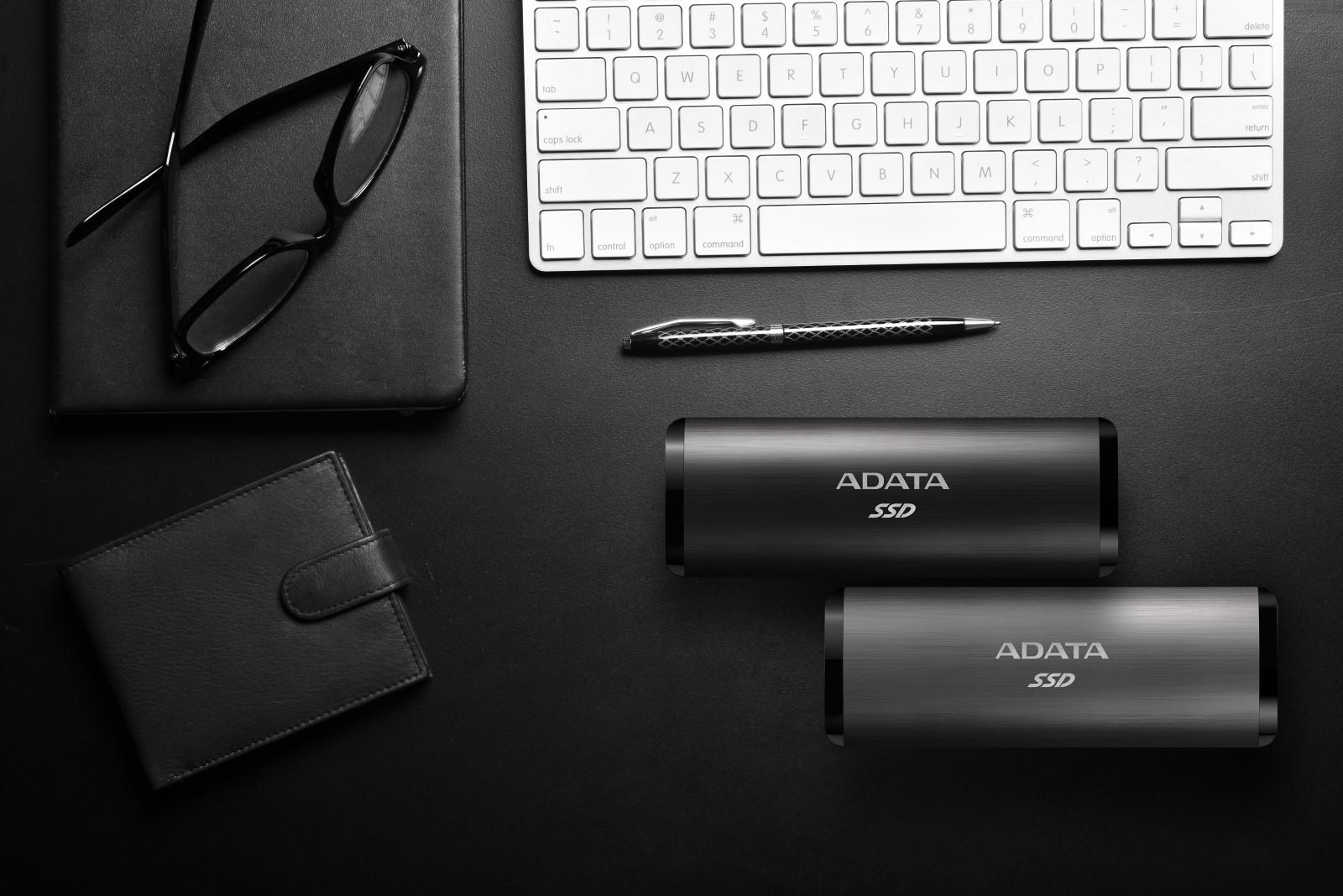 Az ADATA bemutatja az SE760 külső SSD-t